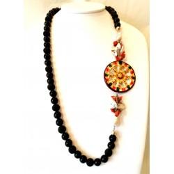 Collana in ossidiana e lava, con corallo, perle e ruota siciliana in ceramica